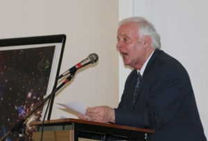 Dick Fields addressing the gathering